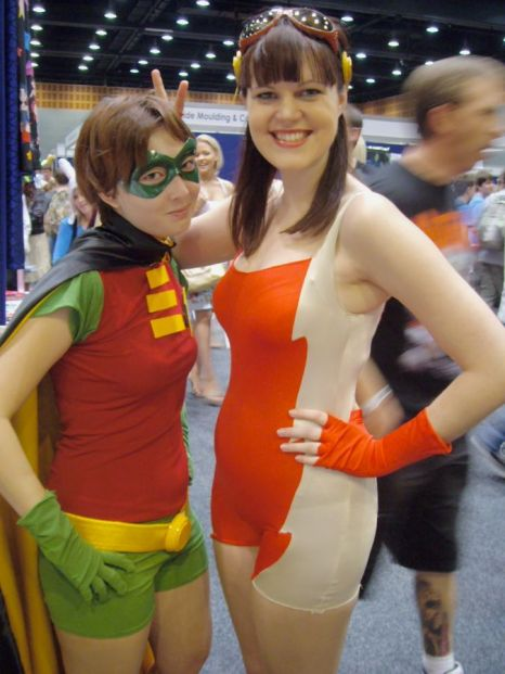 Reverse Gender Robin and Impulse. (Young Justice)